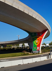 Força Portugal - All about soccer on the airport :D (ShambLady) Tags: flyover viaduct road porto opo 飛機場 airport 空港 аэропорт francisco sá carneiro luchthaven pedras rubras aéroport aeroporto נמל תעופה havaalanı 機場 مطار flughafen aeropuerto летище αεροδρόμιο scalo lapangan terbang vliegveld international força portugal 2017 bridge curve