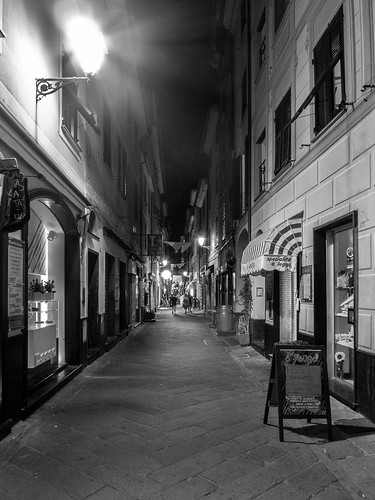 Lavagna By-night: via Roma