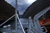 Norwegen 1998 (181) Nærøyfjord (Rüdiger Stehn) Tags: aurland dia slide analogfilm scan canoscan8800f europa norwegen norge skandinavien norway nordeuropa sognogfjordane 1990er 1998 1990s 35mm urlaub reisefoto kbfilm analog diapositivfilm kleinbild gudvangen contax137md autofähre schiff fähre wasser meer fjord nærøyfjord sognefjord unescowelterbe unescoweltnaturerbe welterbe weltnaturerbe rüdigerstehn