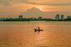 _29A0256.0917.Yên Phụ.Hồ Tây.Hà Nội. (hoanglongphoto) Tags: asia asian vietnam northvietnam landscape scenery vietnamlandscape vietnamscenery vietnamscene sunset twilight hanoicity hanoicapital lake taylake water watersurface sky skyline cloud canon hànội thànhphốhànội thủđôhànội phongcảnh buổichiều hoànghôn chạngvạng hồ hồtây hoànghônhồtây buổichiềuhồtây bầutrời mặtnước mây chântrời lakesurface mặthồ yênphụ people canoneos5dsr canonef70200mmf28lisiiusmlens fishermen ngườiđánhcá