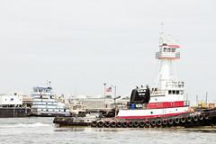r_170921440_beat0057_a (Mitch Waxman) Tags: crane killvankull newyorkcity newyorkharbor statenisland tugboat newyork