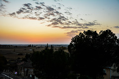 Sunset en campos de Castilla (Alberto Va) Tags: sunset sunsetcolours castilla palencia magichour palencianature palencianatural sky cielo clouds nubes