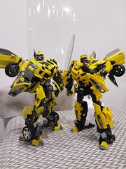 IMAG9000 (capcomkai) Tags: mpm bbb bumblebee weijiang moviemasterpiece autobot transformers rotf knockout enlarge upscale
