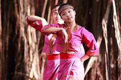 IMG_9142M 2017臺中花都藝術季 水花浪漫 舞動葫蘆墩圳開發傳奇 瓊瑢舞蹈團 (陳炯垣) Tags: dancer performance stage girl