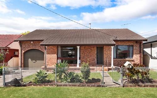 6 Warrumbungle St, Fairfield West NSW 2165