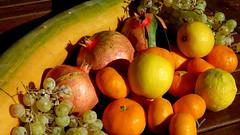 Fruits et légumes (bernard.bonifassi) Tags: bb088 06 alpesmaritimes 2017 novembre citron fruit raisin grenade clémentine cougourde nissa nice légume jardin niçois sx60