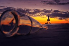 Kugelbake (Marius auf Fotosafari) Tags: water see sun bottle orange sunrise kugelbake northsee cuxhaven germany