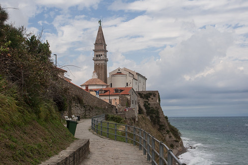 Župnijska cerkev sv. Jurija