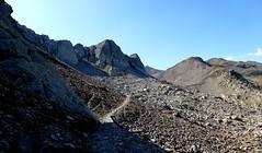 la pierre et l'ombre (b.four) Tags: montagna montagne mountain sainteannedevinadio piemont italie ruby3 sturadidemonte coth5