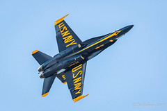 A Blue Angel over San Francisco (Bob Gunderson) Tags: blueangels california events fleetweek2017 missiondistrict northerncalifornia sanfrancisco