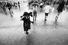 0x88 (0x FF) Tags: 0xff müchen munich oktoberfest wiesn street rain überschwemmung flood dirndl platsch regen platzregen
