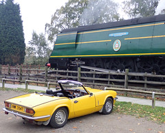 Great Central Railway Rothley Leicestershire 15th October 2017 (loose_grip_99) Tags: rothley leicestershire station greatcentralrailway gcr railway railroad rail train steam engine locomotive southern bulleid battleofbritain pacific 462 34081 92squadron triumph spitfire 1500 sports car vehicle gassteam uksteam trains railways preservation transportation october 2017
