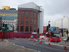 New road layout - Paradise Circus Queensway (ell brown) Tags: birmingham westmidlands england unitedkingdom greatbritain stormbrian rain raining paradise paradisebirmingham carillioncontractors redevelopment buildingsite constructionsite paradisecircus paradisecircusqueensway roadworks libraryofbirmingham trafficlight trafficlights pelicancrossing billboard bladerunner2049 bus nationalexpresswestmidlands nxwm 29
