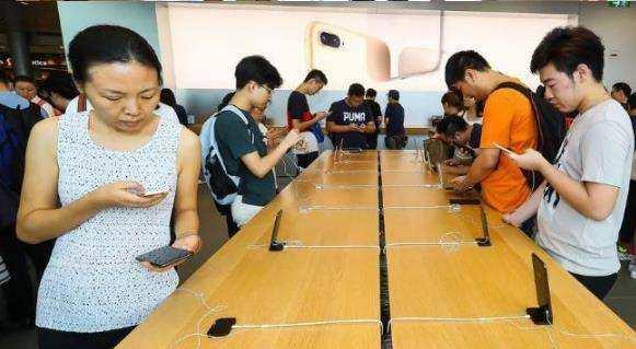 撒謊嗎?iPhone 8多地銷售遇冷,庫克卻說多地已經售罄