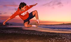 sunset flight... (f_glasinovic) Tags: laserena atardecer vans playa sunset jump beach