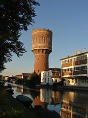 Utrecht - Watertoren Heuveloord (Grotevriendelijkereus) Tags: water canal kanaal tower toren watertoren holland netherlands nederland town village dorp plaats stad architecture architectuur gebouw building