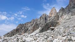 Typowy krajobraz po drodze do obozu 2. (Tomasz Bobrowski) Tags: wspinanie mountains gruzja kaukaz góry tetnuldi caucasus georgia climbing