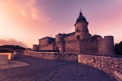 Simancas, una villa con arte (Fernando Guerra Velasco) Tags: simancas valladolid castillo archivo sunset atardecer