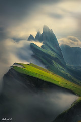 The Seceda in The Sea of Cloud (Celia W Zhen) Tags: red italy dolomites seceda mountain seaofcloud cloud landscape sky grass stacking celiawzhen celiawzhenphotograph nature travel