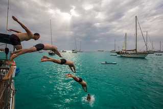 Salto por la borda en Formentera. Spain.