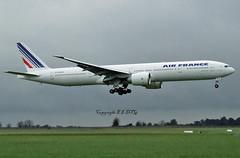 Boeing 777-328ER F-GSQS Air France (EI-DTG) Tags: aircraftspotting planespotting dublinairport dub collinstown eidw 10feb2007 runway10 boeing fgsqs airfrance triple7 tripler b777 boeing777