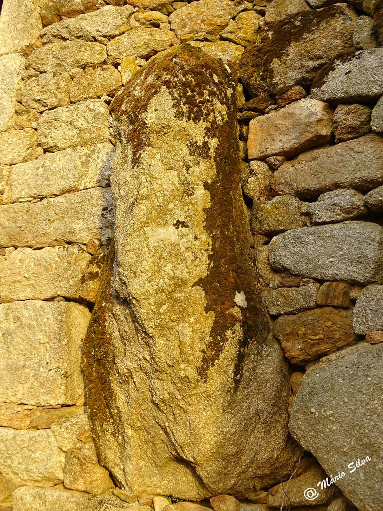 """Águas Frias (Chaves) - ... Pedra """"Fálica"""" ..."""