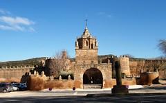 Monasterio Veruela S.XII  (Zaragoza) (Eduardo OrtÍn) Tags: monasterio murallas veruela vera aragon zaragoza