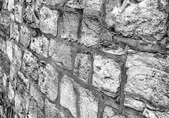 Wo die Mauer eine Mauer ist... - Where the wall is a wall _-B&W (Siggi-Dee) Tags: industrial industrie rottenplaces kaputt zerstört destroyed verwüstet devestated stahlindustrie steel lokomotive zug train zugbrücke railwaybridge zerbeulte kraft dented force zement cement steinbruch quarry engine decay zerfall hdr nightshots nachtfotografie tonemappeddart darts treppe stairs jacket jacke pink green grün sofa couch street photography streetphotography strasenfotografie humans menschen street´s life leben monochrome fuji fujifilm xpro1 fujinon xc 1650mm ois ii xf 18mmf2 27mmf28 streetpoto urban schwarzweis bw blackwhite black white einfarbig city candid mirrorless graffiti siegda siggidee