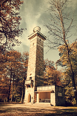 The tower in the woods (DrQ_Emilian) Tags: fall autumn season color light sunlight outdoors explore discover hiking wanderlust woods ruin old travel achitecture kernenturm frame tower stetten kernen fellbach remstal badenwürtemberg germany europe sky clouds