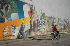 Berlin (Caró) Tags: prezlauerberg berlin berlim alemanha germany deutschland city cidade ciudad ciutat urban urbano street candid outdoors outdoor summer europa europe euro streetart graffiti berlinbrandenburg