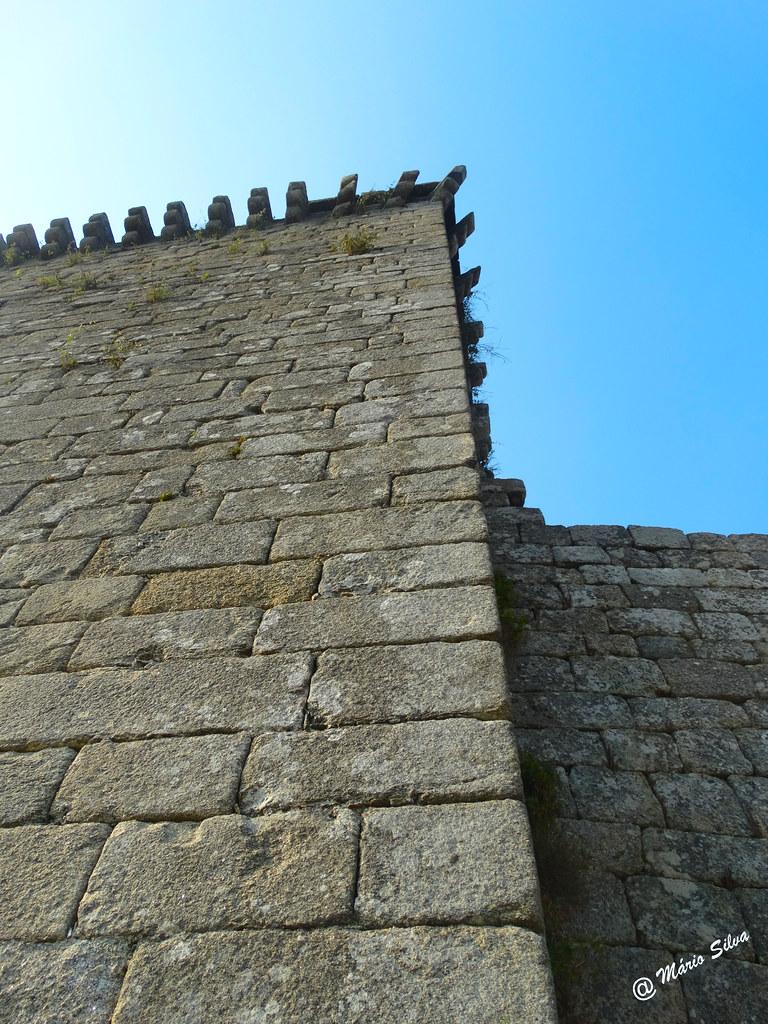 Águas Frias (Chaves) - ... a torre de menagem do castelo de Monforte de Rio Livre ...