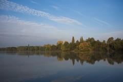 Reflets d'automne * (Titole) Tags: bassindetrévoix reflection trévoix water sky lake trees titole nicolefaton