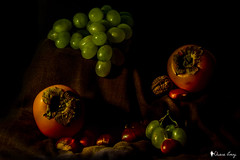-Autumn is a feeling (-Chiallonz) Tags: lightpainting lights lightroom portrait composition deadnature nikon fruit nature grape food autumn fall colors