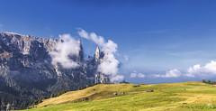 Vorfreude (blichb) Tags: 2014 altoadige canon6d herbst italia italien italy seiseralm südtirol autumn blichb fall kastelruth trentinosüdtirol it
