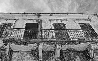 Old Building - Fiskardo Harbour (Northern Kefelonia - Greece) (BW) Panasonic Lumix Lx15 compact
