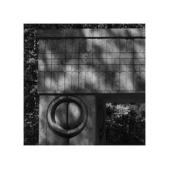 sărutului (fusion-of-horizons) Tags: poartasărutului thegateofthekiss ansamblulmonumentalcaleaeroilor heroesway sculptural ensemble târgujiu gorj oltenia constantin brâncuşi sculpturalensembleofconstantinbrâncușiattârgujiu outdoor sculpture monument romania lmigjiiima09465 brancusi modern modernism art worldwarimemorial modernist parc park garden urban town city public abstract stone piatra arhitectura architecture