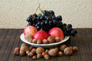 Apple, nuts & grapes