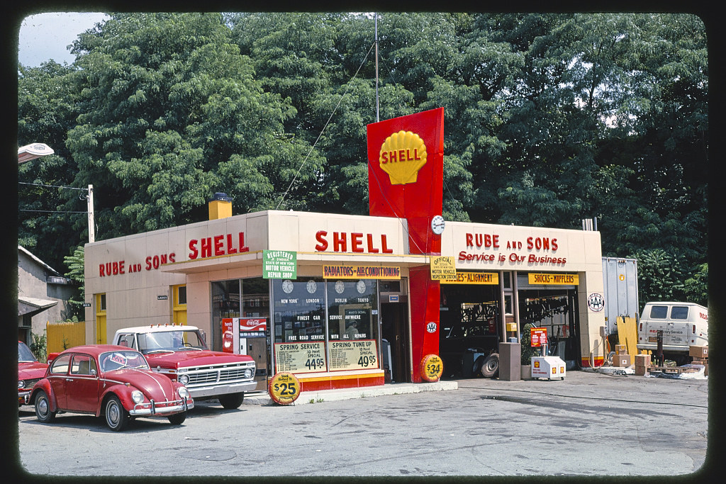 The World S Best Photos Of Servicestation And Shell