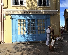 Le peintre <> The painter. (France-♥) Tags: 206 peintre collioure france bleu porte door blue man homme building window