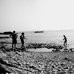 Un rideau blanc est tombé sur le large... (woltarise) Tags: côtebleue marseille entréesmaritimes brume méditerrannée france