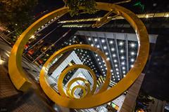 Espiral (Cruz-Monsalves) Tags: condes lascondes chile santiago stgo scl escultura sculpture night noche osvaldo peña osvaldopeña osvaldopena urbano urban city ciudad