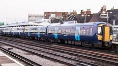 375706 (JOHN BRACE) Tags: 2001 bombardier derby built electrostar class 375 emu 375706 seen tonbridge station southeastern blue livery