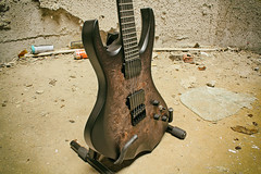 KLANGKRAFT   Ultraschall (InVertigo_jamo) Tags: klangkraft guitar guitars instrument gitarre musikinstrument ültraschall