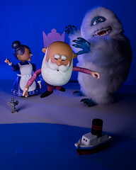 Misfits in Da Hood: Fed Up (Dennis Valente) Tags: 5dsr christmastown misfittoys dolls toys actionfigure toyphotography articulating santa parody abominablesnowman mrsclaus islandofmisfittoys 2017 posed windupmouse santaclaus articulated tugboat snoot einsteine640 boat northpole mouse christmas posable