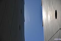 lin-09007 (actors_max) Tags: city lines linee città palazzi costruzioni building 宮殿 luci colori blu cielo vetri ライト 色 actorsmax