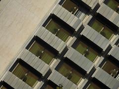 1970th Chick (Ed Sax) Tags: edsax architektur diagonal fascade balkon silber grau metallic abstrakt schief beton muster design wiederholung ngc athen hellas griechenland zentrum syntagma platz hotel leoforosvasileosgeorgiou njv athens plaza olivenbaum