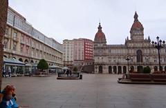 La Coruña. Plaza de María Pita. España. (Caty V. mazarias antoranz) Tags: acoruña galicia elmar nortedeespaña agua galiciamágica ilovegalicia amogalicia turismoenespaña vida noalaviolencia naturaleza multicolor pueblosdeespaña