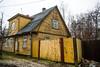 Tartu - Estonia (Angelo Petrozza) Tags: tartu estonia yellow giallo supilinn souptown old vecchio angelopetrozza k70 1855mm winter inverno roof tetto casa house