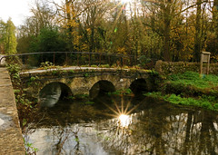 Bridge (myraemery) Tags: nationaltrust bridge water wool walk weaving bibury oxfordshire river colne canoneos70d