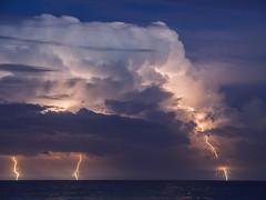 Tormenta mar adentro 4/11/17 (Felipe G.Fuertes) Tags: cloudscapes rayo tormenta storm thunderstorm lightning